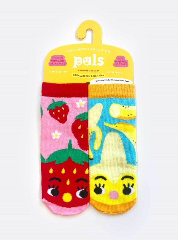 Pals Socks: Strawberry and Banana Pals Mismatched Socks (Ages 4-8)